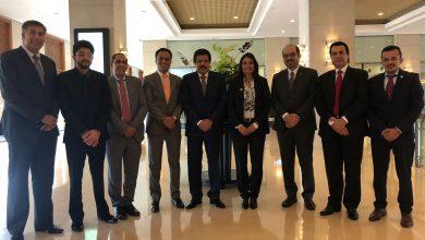 """صورة وفد تجاري بحريني يلتقي وزير التجارة السريلانكي في """"كولومبو"""" لبحث تشجيع الصناعات الصغيرة"""