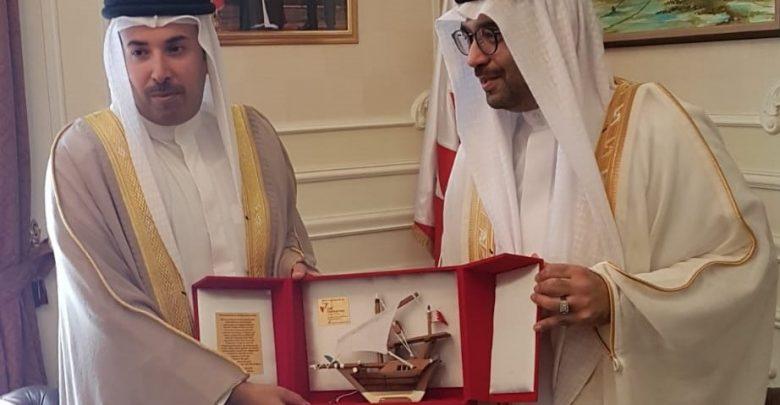 صورة السفير البحريني بالقاهرة يلتقي رئيس جمعية البحرين لتنمية المؤسسات الصغيرة