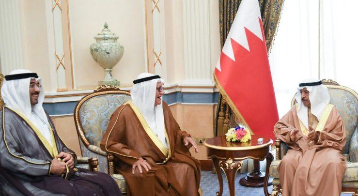 صورة سمو رئيس الوزراء يستقبل مجلس إدارة جمعية البحرين لتنمية المؤسسات الصغيرة والمتوسطة